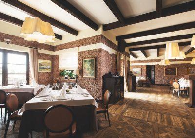 6 Ресторан Piazzetta. Основной зал
